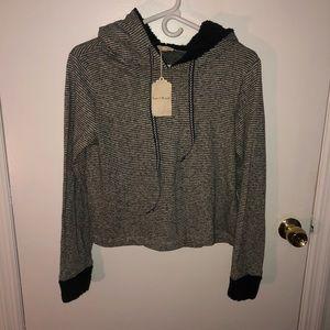 Hem and Thread Anthropologie Sweater NWT Medium